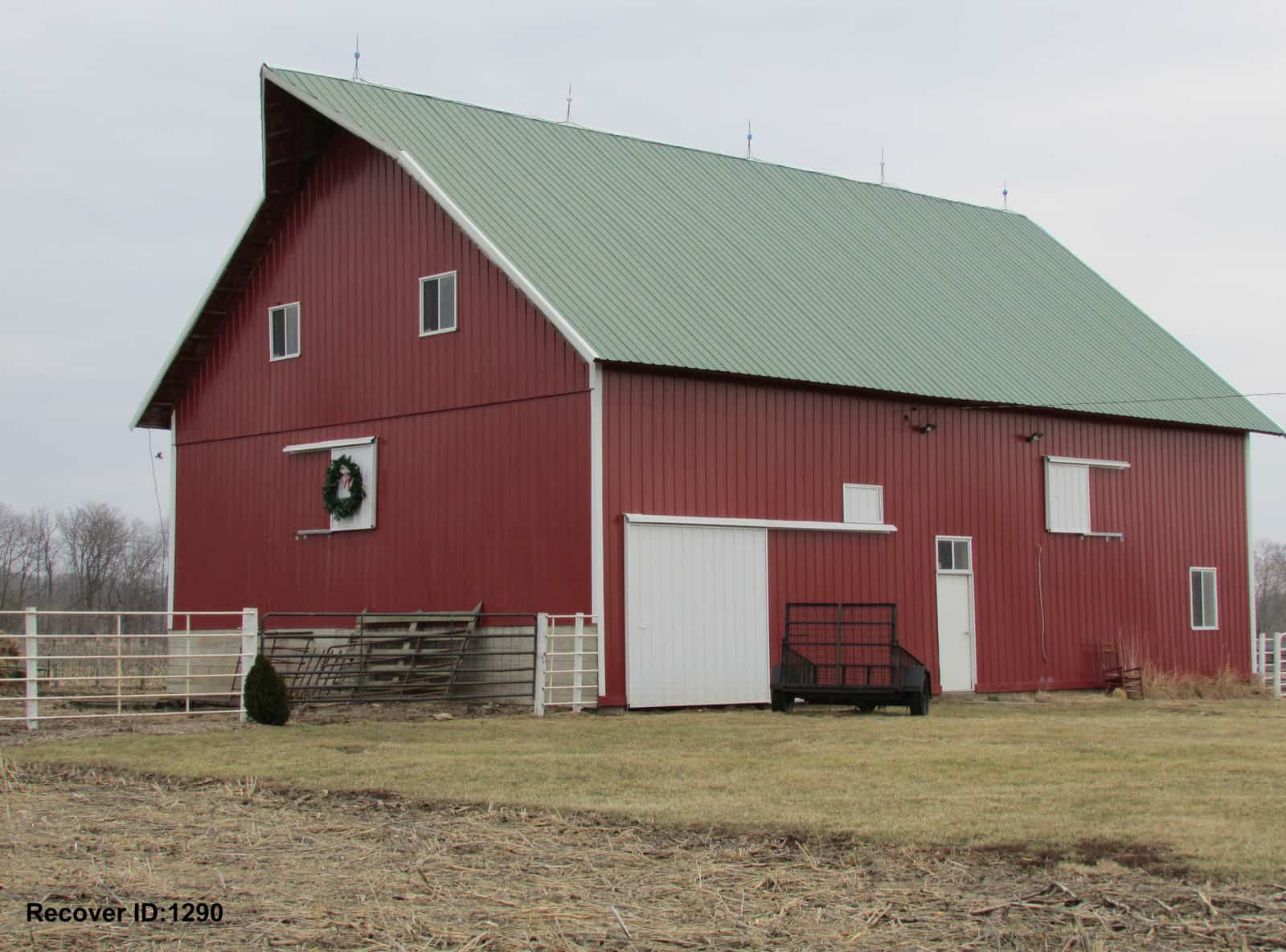 Barn remodel iowa barn remodel illinois for Gambrel roof metal building
