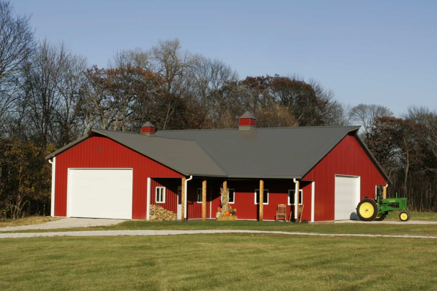 Residential garage and hobby gallery in iowa illinois for Residential barns